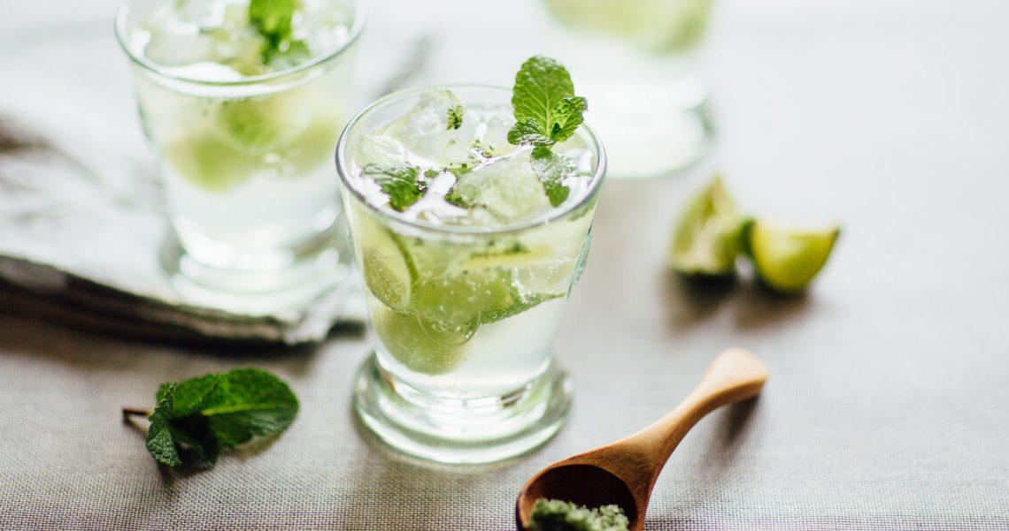 Poder da hortelã para o bem estar: suco, refrescância neste mundo fit